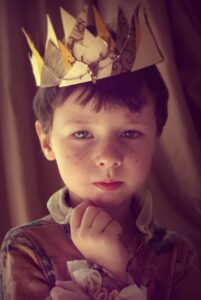 petit prince de cour dans son enfance